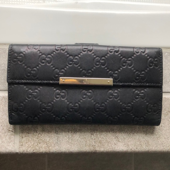 ce5e0b8ba425fc Gucci Bags | Black Leather Ssima Continental Wallet | Poshmark